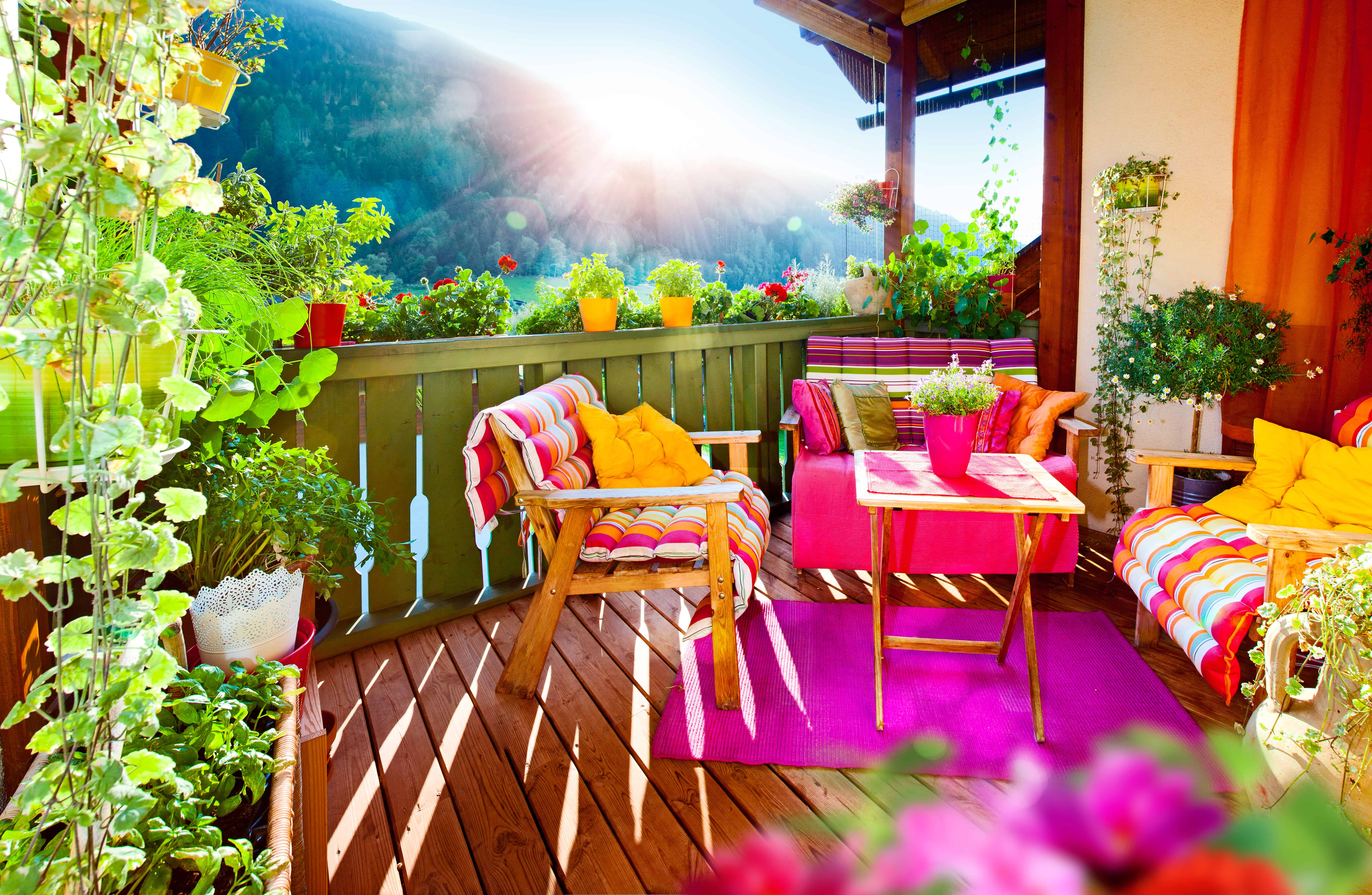 Top Five Things To Consider When Deciding on Your Decking Material